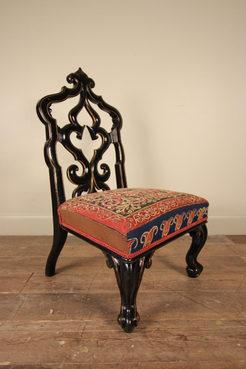Small Aesthetic Lacquered & Gilt Chair