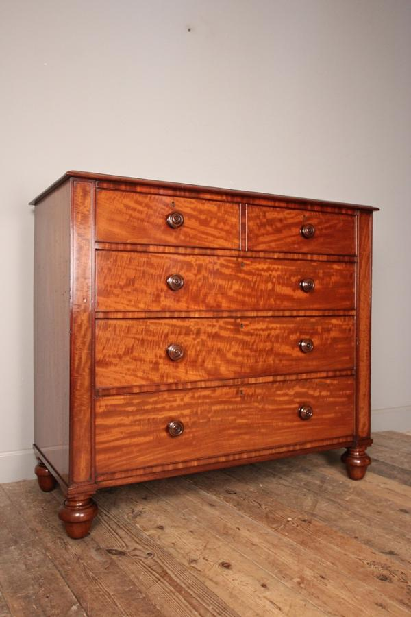 Large George IV Mahogany Chest of Drawers