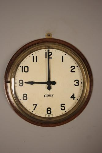 Stylish Gents Brass & Oak Dial Clock