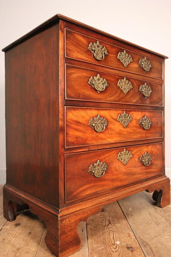 Superb Small 18th Century Mahogany Chest of Drawers