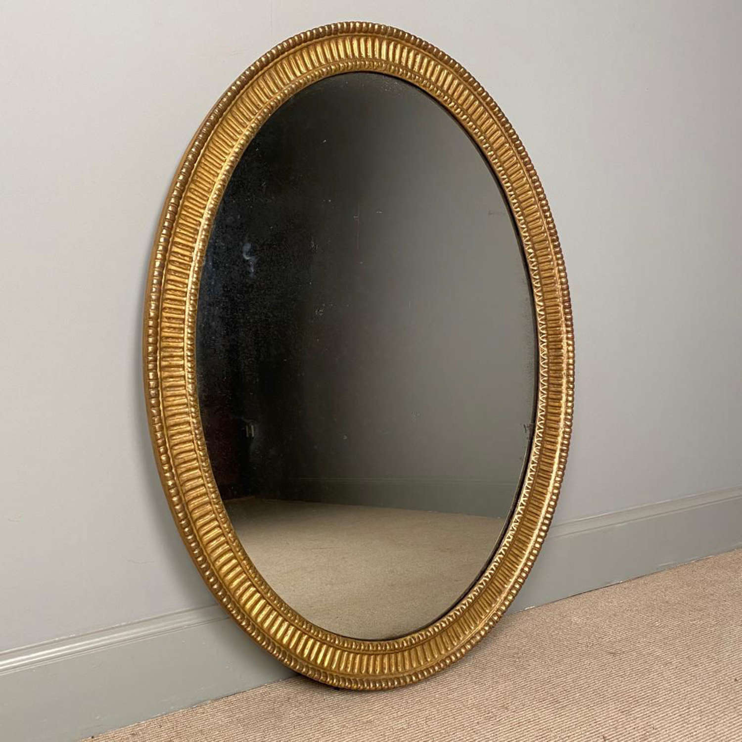 Beautiful 18th Century Oval Giltwood Mirror